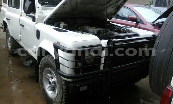 Buy Land Rover Defender White Car in Chingola in Zambia