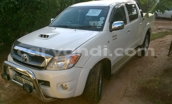 Buy Toyota 4Runner White Car in Chipata in Zambia