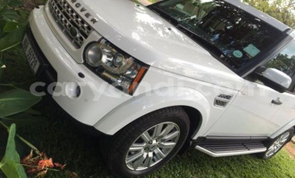 Buy Land Rover Discovery White Car in Chipata in Zambia