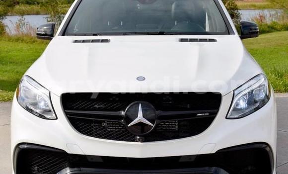 Buy Mercedes-Benz GL-Class White Car in Chipata in Zambia