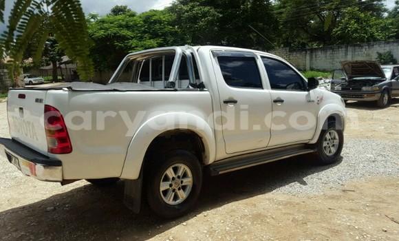 Buy Toyota 4Runner White Car in Chingola in Zambia