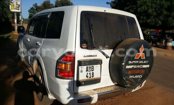 Buy Mitsubishi Pajero White Car in Chipata in Zambia