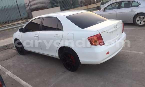 Buy Toyota Axio White Car in Kitwe in Zambia