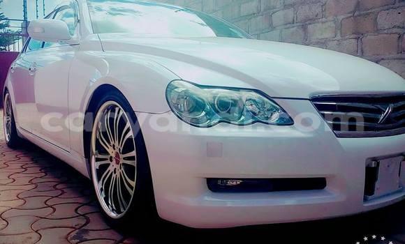 Buy Toyota Mark X White Car in Lusaka in Zambia