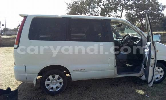 Buy Toyota Noah White Car in Lusaka in Zambia