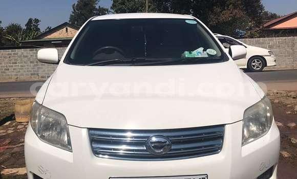 Buy Toyota Axio White Car in Lusaka in Zambia